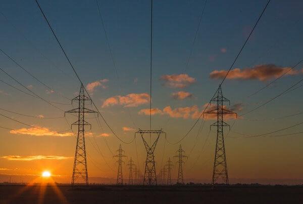 Überschüssigen Strom flexibel transportieren